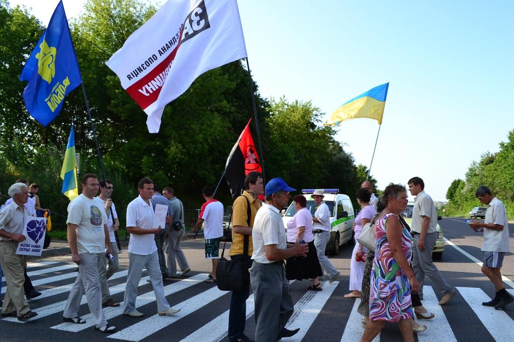 Це фото з сьогоднішньої акції перекриття міжнародної траси Варшава-Люблін-РаваРуська-Львів у селі Гряда