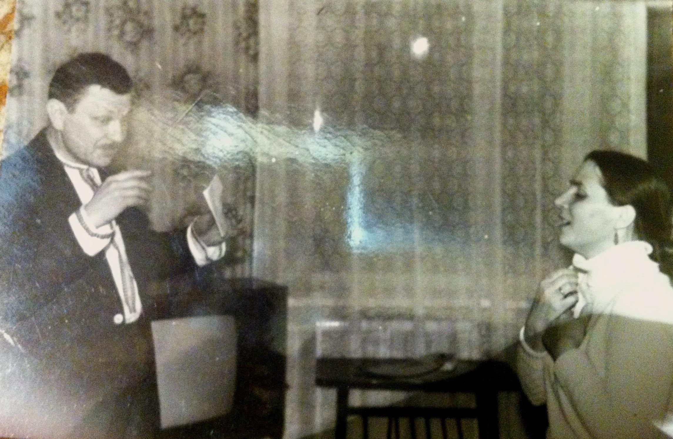 Вадим Смогитель та Ніна Матвієнко перед концертом. Львів, 1989 рік