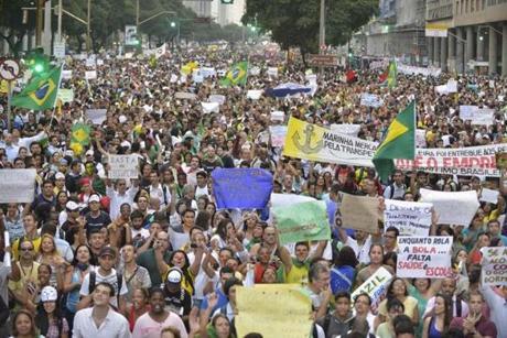 1 Понад мільйон бразильців беруть участь