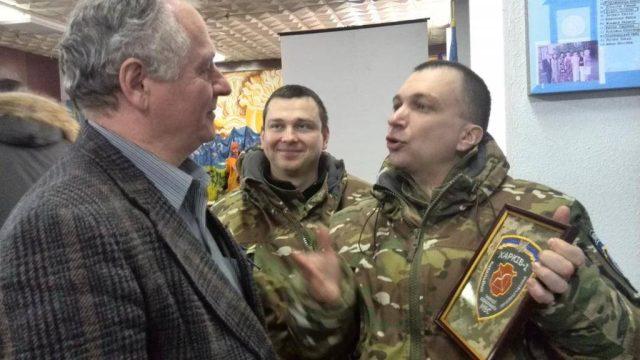 Бійці батальйону Харків-1 приймають Збігнева Буяка в почесні члени. Бережани. 31 січня 2015