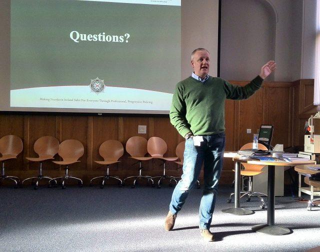 Nigel Grimshaw - голова поліції Белфасту.