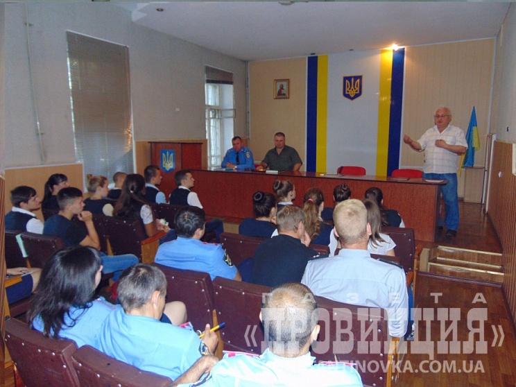 nasha_policiya_staie_ukrayinskoyu_29339_21092016