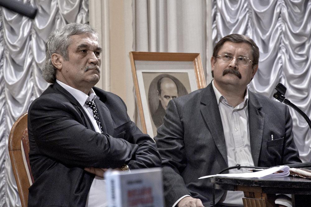Василь Шкляр та Роман Коваль