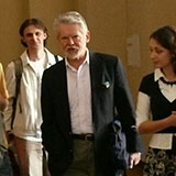 Professor George Grabowicz with students in Ukraine