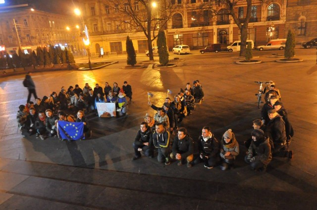 Катерина Гладка зі Львова - викладаємо напис EU
