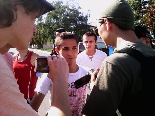 Малолітній хлопець, який спробував сплюндрувати Державний прапор України. Фото: Ганна Чуркіна.