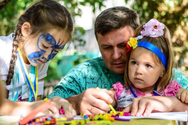 Діти творять разом з батьками