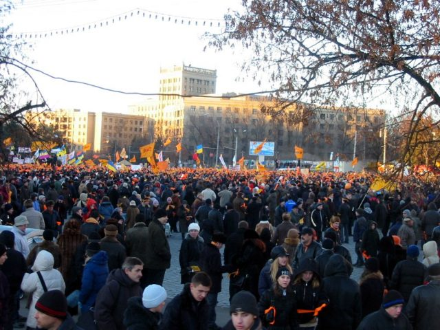 Kharkiv, November 24, 2004, Freedom Square is full of Orange Revolution activists. Photo by Nataliya Zubar